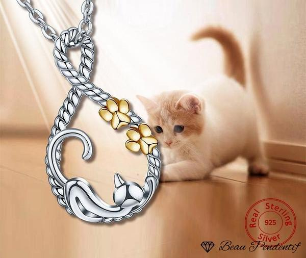 Pendentif chat en argent aux traces de pattes couleur or